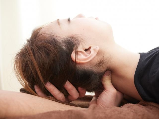 身体のバランスを整える施術で症状を改善します