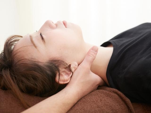 慢性化した痛みも改善へ導く施術です