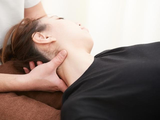 身体への負担が少ない施術で痛みを改善します